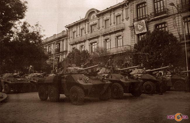 Tanques en la Plaza Murillo, Golpe Frente Popular Nacionalista, Banzer, FSB, MNR, La Paz, agosto 1971