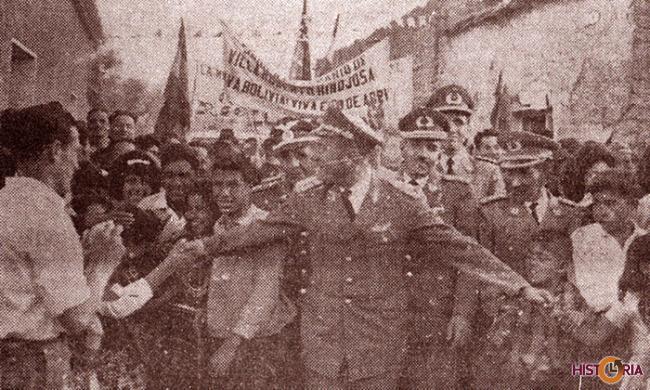 La Junta Militar de Gobierno, recibe muestras de adhesión. (Gral René Barrientos Ortuño)