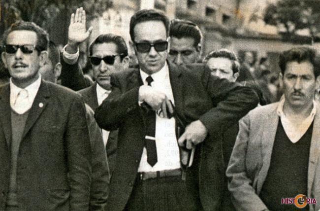 Banzer utilizó a paramilitares civiles en la represión bajo su gobierno.