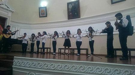 "Escuela Fiscal Vocacional de Música Folklórica ""Miguel Ángel Valda"" – Sucre"